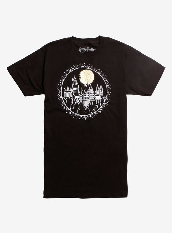 Harry Potter with a circular style Hogwarts T-shirt DV01